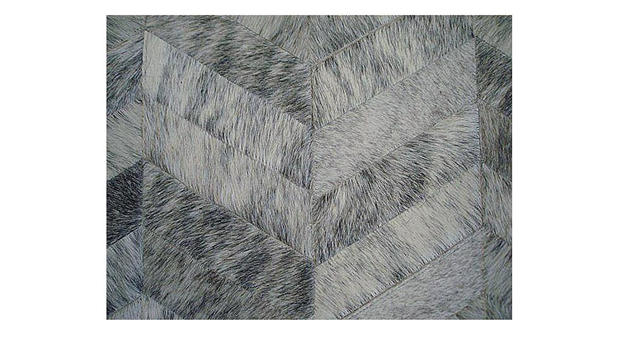 Chevron Cowhide Rug - Grey and White / Herringbone Cowhide Rug - Grey and White - CH10
