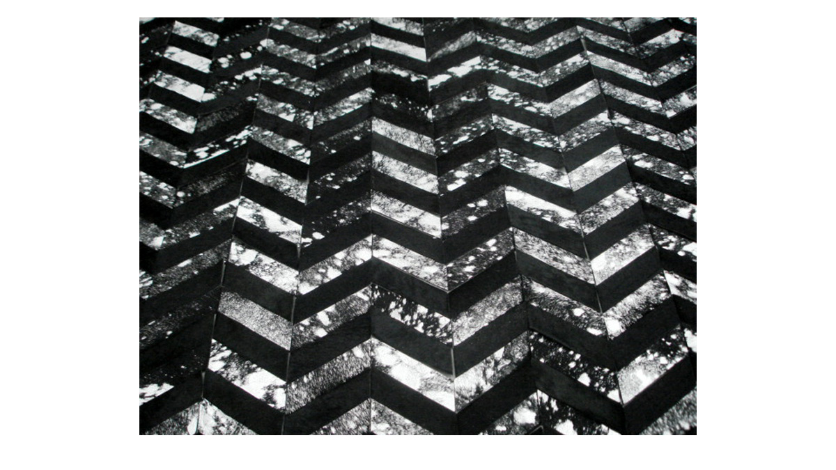Metallic Hide Rug - Black and Silver on Black Chevron Hide Rug – M5